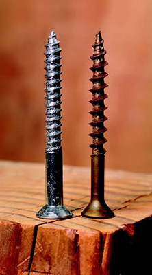 A traditional tapered screw's (left) threads and shank are the same diameter; a production screw's threads are larger.